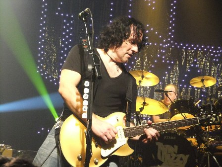 Vivian Campbell and Brian Downey - Thin Lizzy live in Paris France