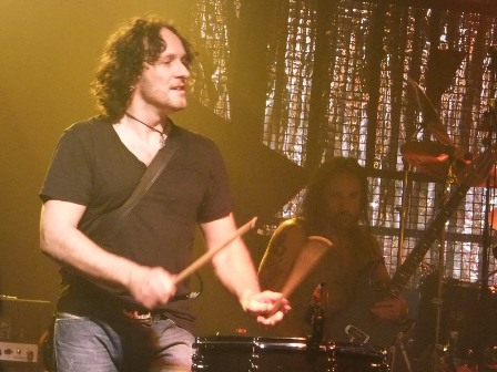 Vivian Campbell plays guitar... and sometimes drums!