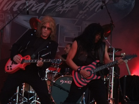 Jay Jay French and Eddie Ojeda - Twisted Sister live at the Hellfest