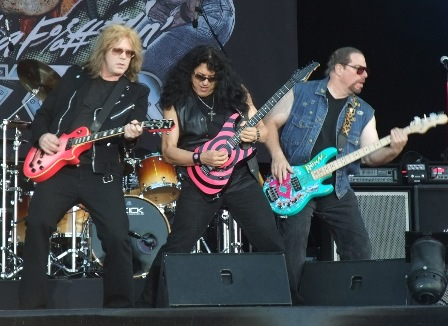 Jay Jay French, Eddie Ojeda and Mark Mendoza - Twisted Sister live at the Hellfest