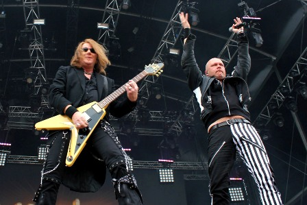 Kai Hansen and Michael Kiske live with Unisonic