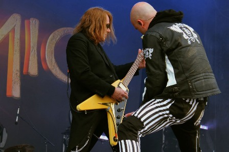 Kai Hansen and Michael Kiske live at the Hellfest Open Air