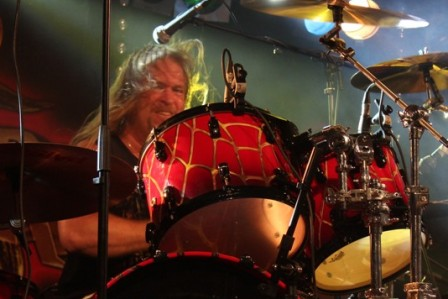 Larry Howe on drums, live with Vicious Rumors